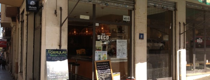 Bar Seco is one of Wifi places in Barcelona.