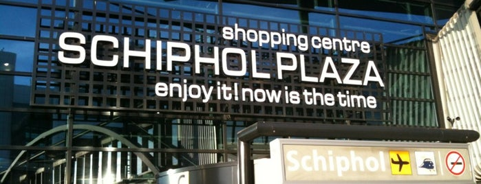 Schiphol Plaza is one of Angelesさんのお気に入りスポット.