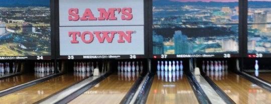 Sam's Town Bowling Center is one of Orte, die Rebecca gefallen.