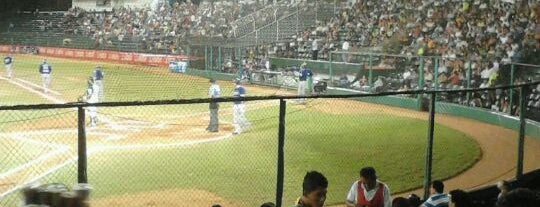Parque de Béisbol Centenario del 27 de Febrero is one of Lugares favoritos de Ofe.