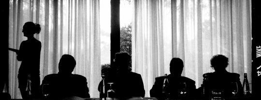 Golden awards Montreux Jury is one of Orte, die Oliver gefallen.