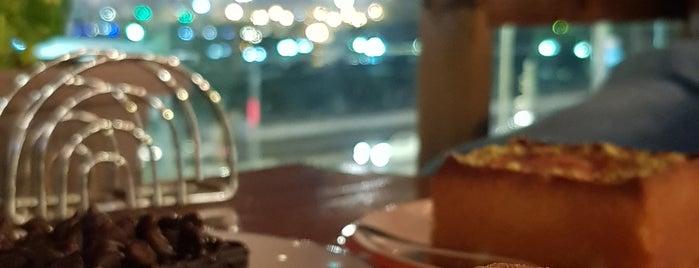 Lion Coffee is one of Locais salvos de Queen.