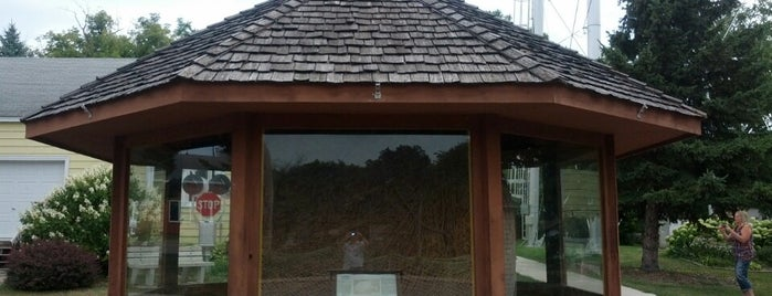 World's Largest Twine Ball   (made by one man) is one of Connie 님이 좋아한 장소.