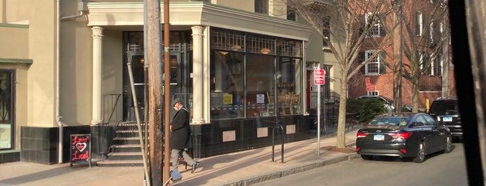 Downtown New Haven is one of Lindsaye'nin Beğendiği Mekanlar.