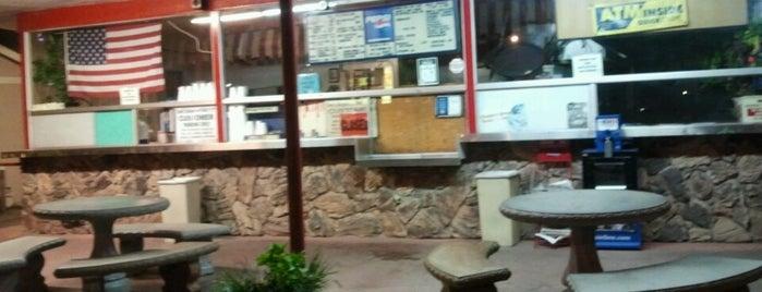 Sam's Classic Burgers is one of Gespeicherte Orte von Geoff.