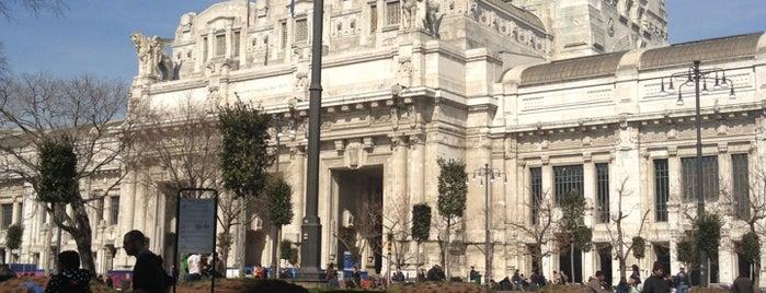 Piazza Duca d'Aosta is one of Aptraveler'in Beğendiği Mekanlar.