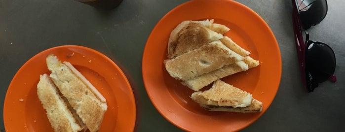Toh Soon Cafe (多春茶座) is one of Rachel'in Beğendiği Mekanlar.