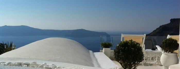 Dana Villas Hotel & Suites is one of Santorini.