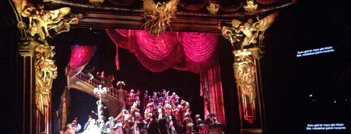 The Phantom of the Opera is one of Selin'in Beğendiği Mekanlar.