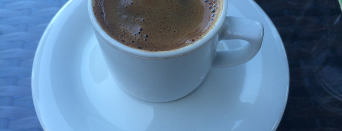 Zanzibar Cafe is one of สถานที่ที่ Maxim ถูกใจ.