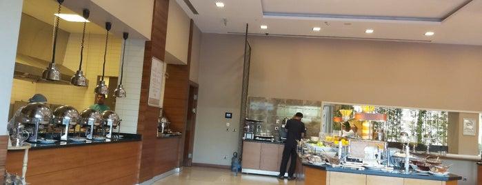 Hilton Sumac Restaurant is one of Posti che sono piaciuti a Beytullah Aksoy.