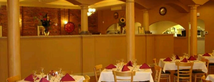 Giuseppi's Pizzeria & Italian Restaurant is one of Tempat yang Disukai Angela.