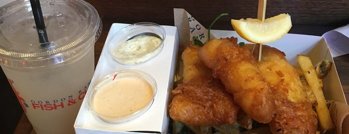 Gordon Ramsay Fish & Chips is one of สถานที่ที่ Rj ถูกใจ.
