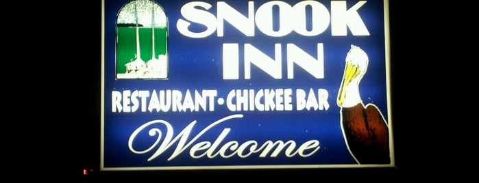 Snook Inn -- Waterside Dining is one of Posti che sono piaciuti a Sharon.