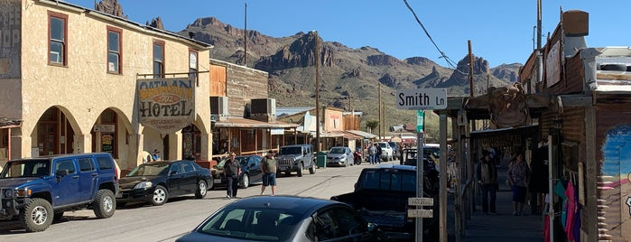 Oatman Hotel is one of Lugares favoritos de BJ.