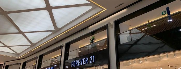 Forever 21 is one of Leo'nun Beğendiği Mekanlar.