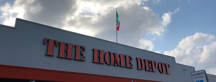 The Home Depot is one of Lugares favoritos de Fernando.