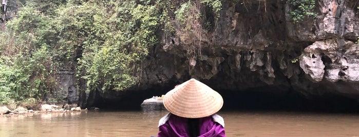 Ninh Bình is one of Tempat yang Disukai Crhis.