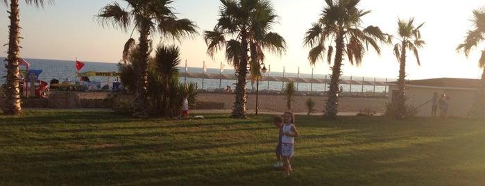 SoHo Beach Club Hotel is one of Kerim'in Beğendiği Mekanlar.