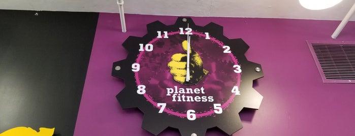 Planet Fitness is one of Locais curtidos por Tom.