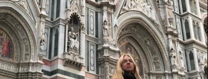 Piazza della Vittoria is one of Free WiFi - Italy.