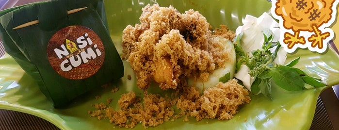 Ayam Kremes Kraton (AKK) is one of Lugares favoritos de Nin.