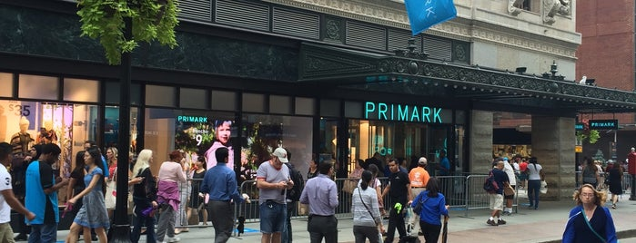 Primark is one of Locais curtidos por Katherine.