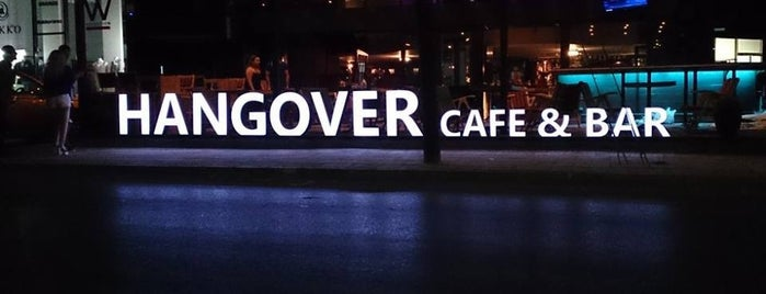 Hangover Cafe & Bar is one of Lugares favoritos de Nigleb.
