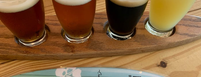 Makai Brewing Company is one of Sunset Beach.