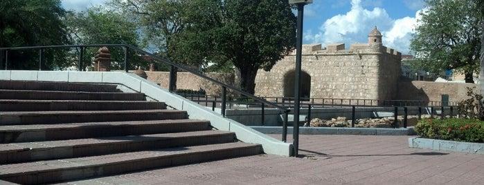 Puerta del Conde is one of Lieux sauvegardés par Stone.