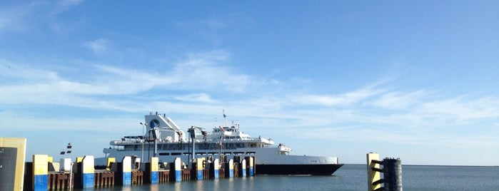 Cape May-Lewes Ferry | Lewes Terminal is one of Posti che sono piaciuti a Crystal.