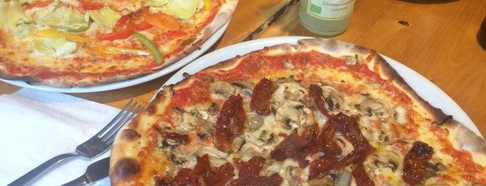 Pizza-Bande is one of Tempat yang Disukai Julia.