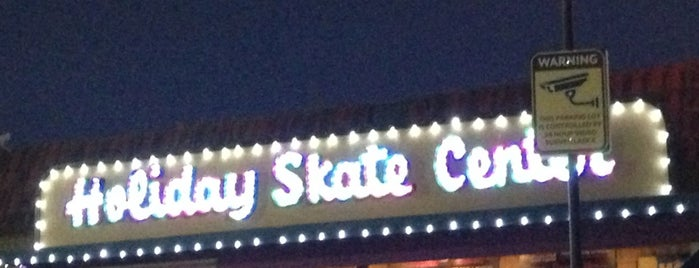 Holiday Skate Center is one of Lieux qui ont plu à Vanessa.