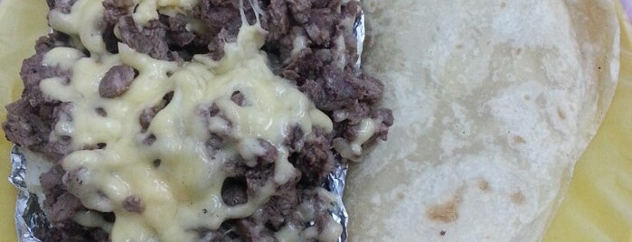 Tacos De Carne Asada Los Yaquis De Obregon is one of Denise : понравившиеся места.