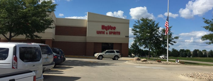 Hy-Vee Wine & Spirits is one of Des Moines.
