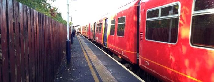 Hersham Railway Station (HER) is one of London.