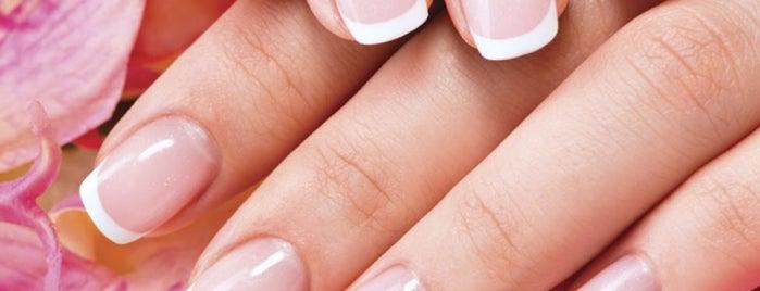 Gardenia Nail & Spa is one of Locais curtidos por Elle.