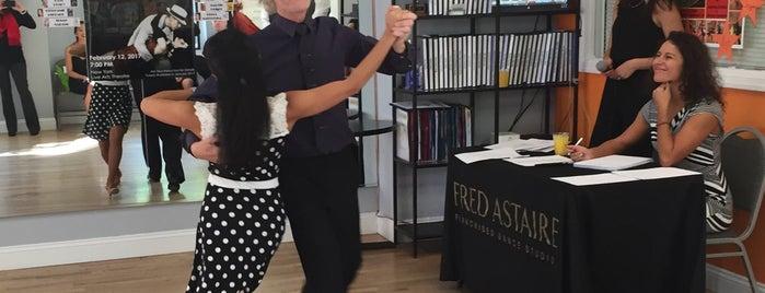 Fred Astaire - New York Midtown is one of chris'in Beğendiği Mekanlar.
