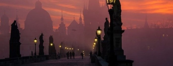 Karlův most | Charles Bridge is one of Pelin 님이 좋아한 장소.