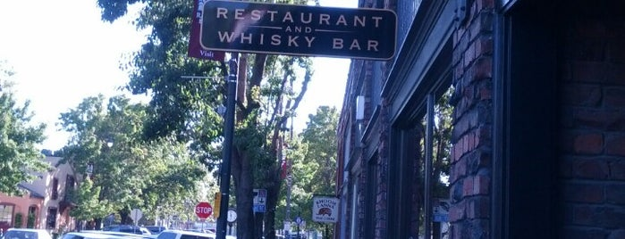 Jack and Tony's Restaurant & Whisky Bar is one of Lugares guardados de Kelly.