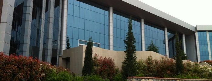 Rektörlük is one of สถานที่ที่บันทึกไว้ของ Özgür Yaşar.