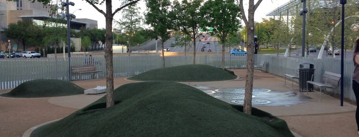 My Best Friend's Park is one of Lieux qui ont plu à Brady.