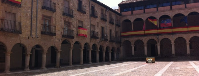 Plaza Mayor de Sigüenza is one of Medievales.