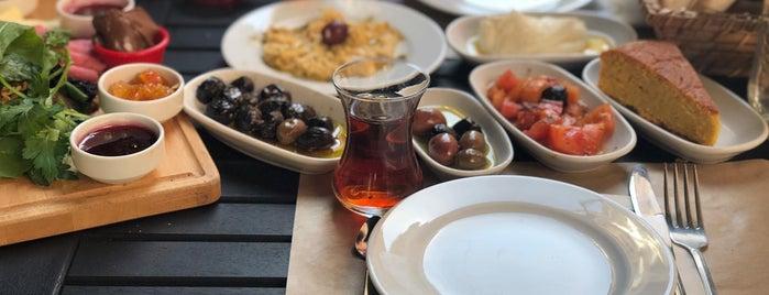 Lapaz Breakfast & Brunch is one of Kahvaltı.