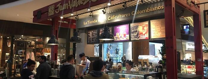 Juan Valdez Café is one of Locais curtidos por Bryan.