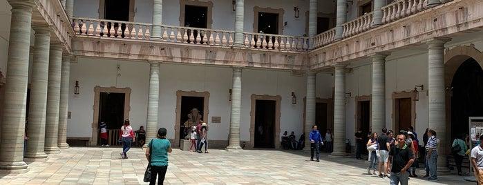 Museo Regional de Guanajuato Alhóndiga de Granaditas is one of Locais curtidos por Francisco.