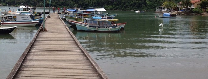 Praia Grande - Paraty is one of Lívia Aguiar 님이 좋아한 장소.