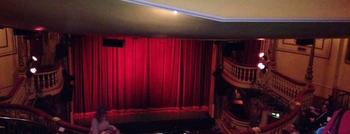 Playhouse Theatre is one of Tempat yang Disukai Antonella.