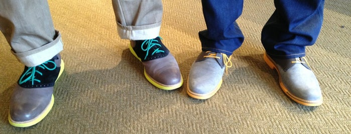 Cole Haan is one of Lugares guardados de Kimberly.