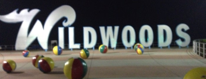 """Wildwoods"" Sign is one of Lieux sauvegardés par Cassie."